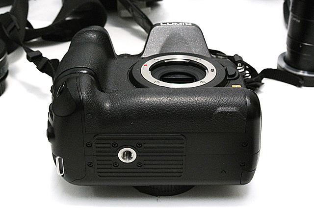 写真11 GH3のバッテリーグリップ装着時