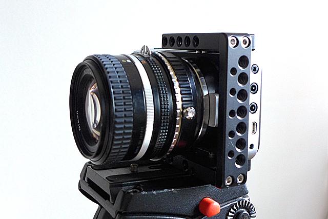 写真13 BMPCCにFocal Reducerを用いてAiニッコール50mm f1.4を装着したところ