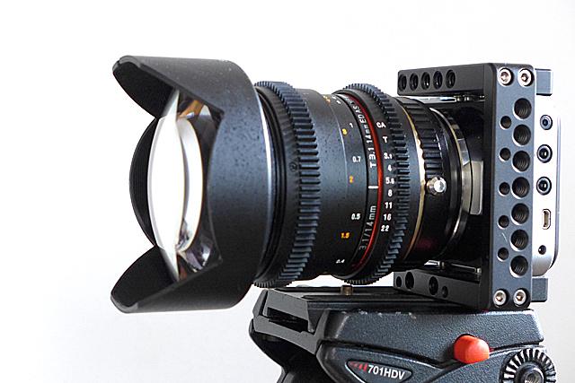 写真14 BMPCCにFocal Reducerを用いてROKINON 14mm t3.1を装着したところ