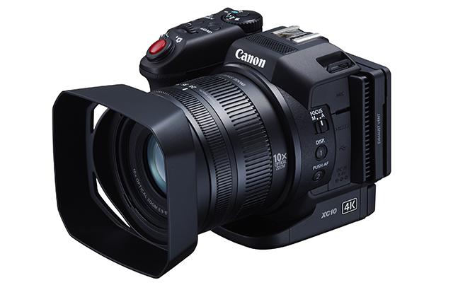 コンパクト4KビデオカメラXC10。本機のみで4K動画記録と約1200万画素の静止画撮影が可能
