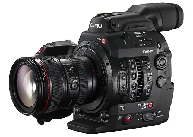 4KデジタルシネマカメラEOS C300 Mark II(EFマウント)。4Kカメラ本体記録と4K RAWデータ出力に対応