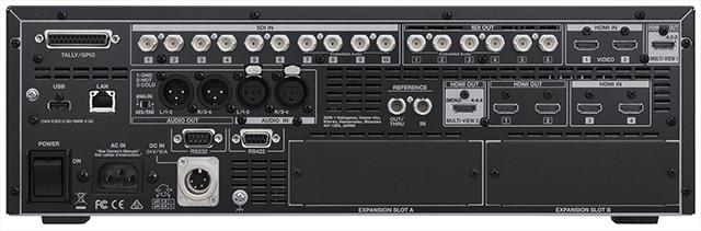V-1200HDのリアパネル。豊富な入出力を装備し、拡張スロットも2基搭載。デュアル電源にも対応している