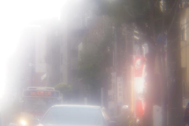 写真11 三光映機前の街路をアンジェニュー50mm F0.95+ソニーNEX-7で撮影。絞りF0.95
