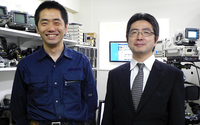 新店舗のショールームを紹介をしてくださったトラストの千葉 真一 氏(左)と福田 洋一 氏(右)