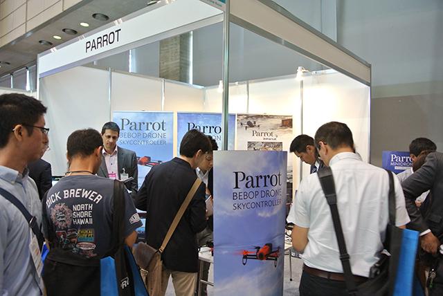 2015年5月20〜22日に幕張メッセで催された第1回 国際ドローン展でも、Bebop Droneは注目の的でした