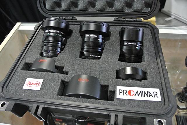 CINE PROMINARのセットレンズとして提案された8.5mm F2.8、12mm F1.8 、25mm F1.8の3本