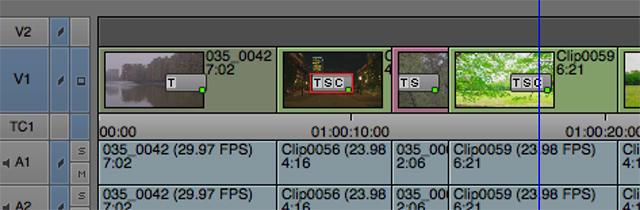 """図12 タイムラインに編集されたビデオクリップ中央に表示されるようになったアダプターマーク。現在クリップにどんなアダプターが適用されているかがわかるようになった。""""T"""" はフレームレート(時間)、""""S"""" はフレーム表示サイズ・エリア、""""C"""" はカラースペース変更アダプターを表している"""