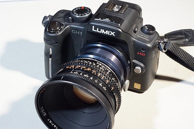 写真15 GH1にバヨネットマウント50mmを装着