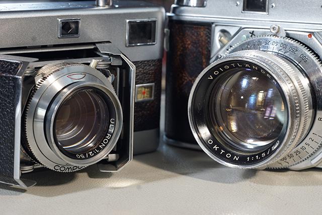 写真2 ビテッサ(左)のウルトロン50mmと、プロミネント(右)のノクトン50mm、これが本家本元