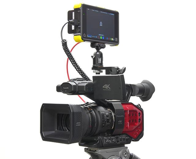 写真7 SHOGUN FLAMEをAG-DVX200と組み合わせると4K撮影時のモニタリングも確実にできる