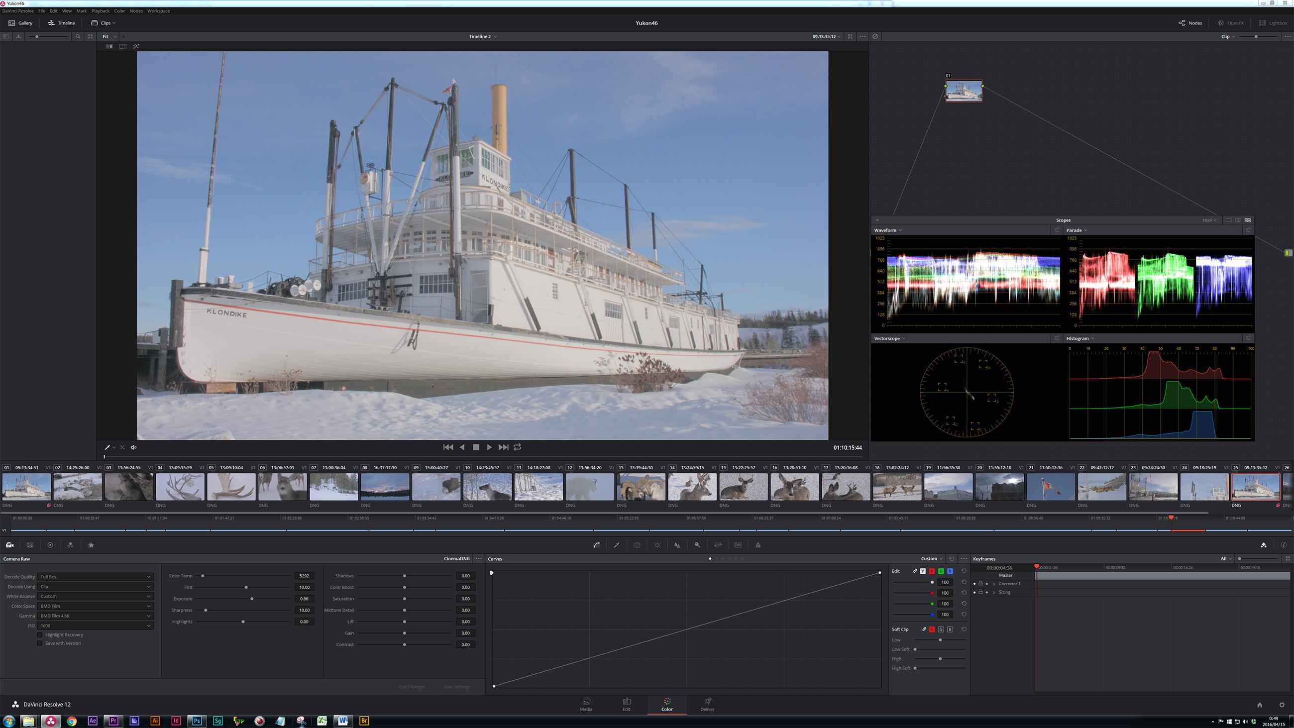 写真16 現在、圧縮RAWを現像するにはDaVinci Resolve Studioを使う必要がある。有償版のドングルが同梱されているので、すぐにフルファンクションで使用可能だ