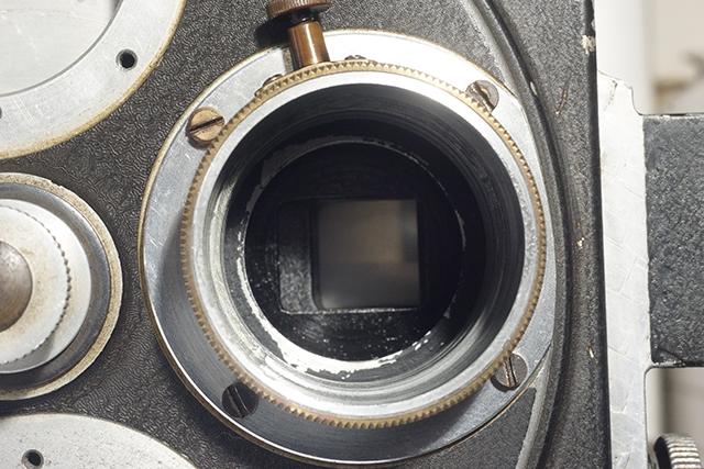 写真21 ミッチェルのターレットにネジ止めされたバルター50mmのヘリコイド部